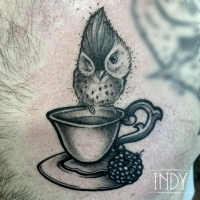 indy artwork indyartwork paris france tattoo tatouage bird cute oiseau piaf cupoftea tea tasse neotrad neotraditional animal fluffy