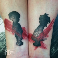 graphic tattoo tatouage paris france indy bodywork bodyart indyartwork indy-artwork artwork boy girl child childwood pattern geometric brother & sister fratrie frère et soeur lien du sang silhouette shadow pinceau brush strokes paint red armtattoo