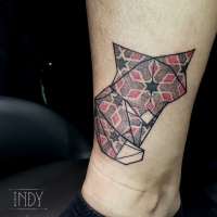tat tattoo red couleur color colours tatouage paris france tattooist tatoueur tatoueuse art bodyart ink inked dot dotwork graphic inker dotworker artist origami pattern motif papier japonais japanese chien dog chiba fox renard kid