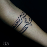 bracelet geometric triangle ligne lines