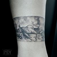 cheville tat tattoo tatouage paris france tattooist tatoueur tatoueuse art bodyart ink inked dot dotwork graphic inker dotworker artist poudlard hogwarts harry potter hagrid landscape paysage bracelet