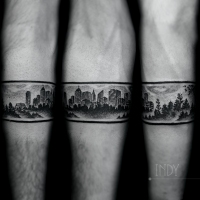 tat tattoo tatouage paris france tattooist tatoueur tatoueuse art bodyart ink inked dot dotwork graphic inker dotworker artist pattern motif symbol minimalist blackwork city ville nature wild sauvage landscape paysage nocturne bracelet