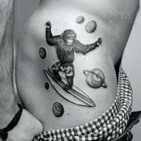 tat tattoo tatouage paris france tattooist tatoueur tatoueuse art bodyart ink inked dot dotwork graphic inker dotworker artist pattern motif symbol minimalist blackwork singe monk monkey planete planets surf surfing banane banana short galaxy galaxie